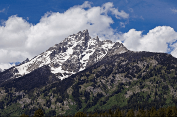 National park hotel deals Wyoming vacations sweepstakes jackson lake getaway