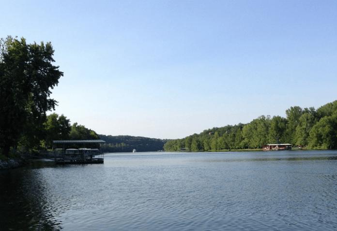 Still Waters Lakefront Resort discount Branson Missouri vacation deal