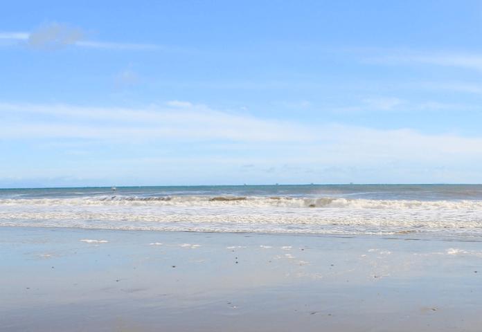 Southern California beach vacation near Santa Barbara at savings discounted cottage rate
