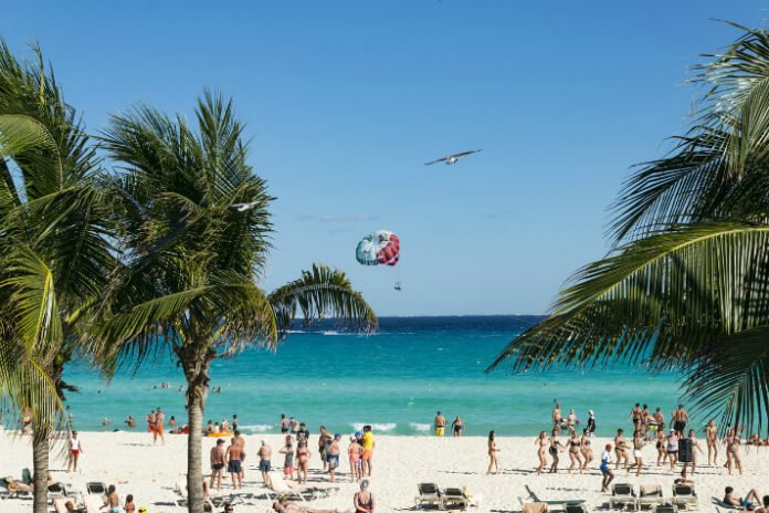 Discounted Cancun hotel rooms Over half off Mexican beach vacation