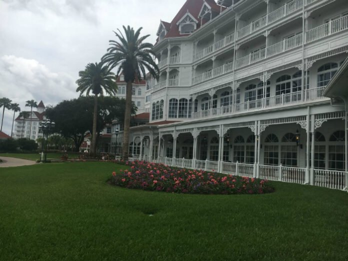 Save Money Disney Hotel Deal Grand Floridian Cheap Price Disney World Resort Bay Lake
