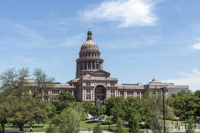 Hilton Austin hotel savings next to convention center Texas trip deals