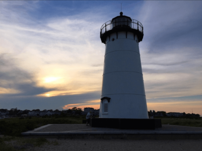 Martha's Vineyard summer vacation deal 20% off Harbor View Hotel Edgartown Massachusetts