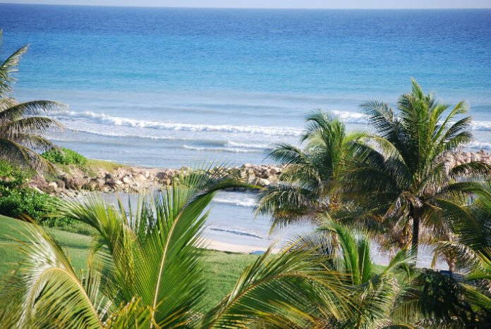 Moon Palace Resort savings Jamaica flight hotel package deal save money trip to Caribbean