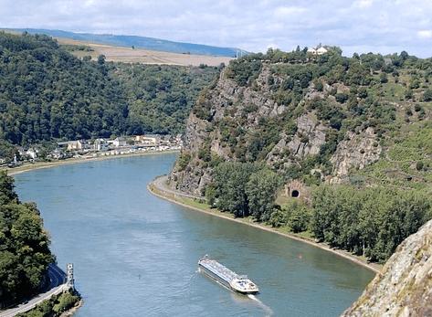 Vikings river cruise Paris to Swiss Alps discount free airfare hotel stays in Zurich Paris