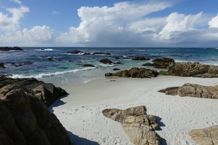 Pebble Beach golf spa packages with hotel stays at discount Monterey Bay vacation deal