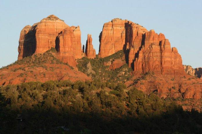 Discounted hotel rates Canyon Villa Bed & Breakfast Seodona AZ trip savings