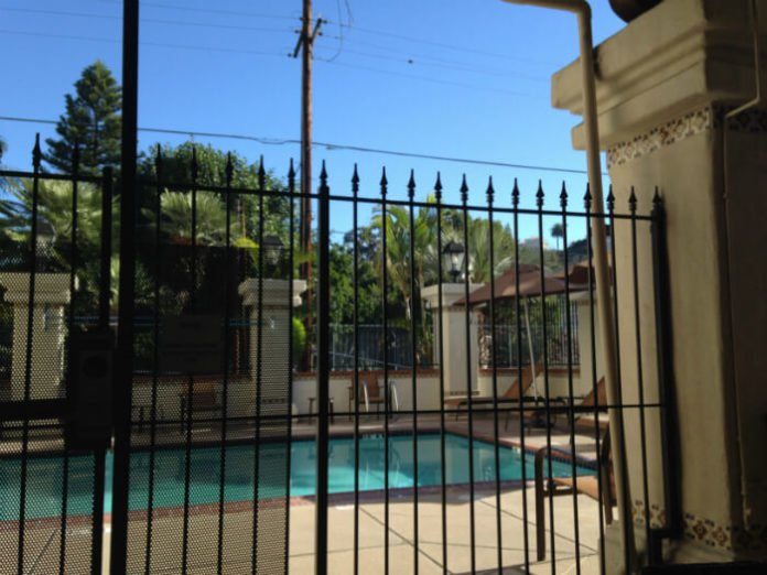 Courtyard Marriott Outdoor Pool San Diego CA
