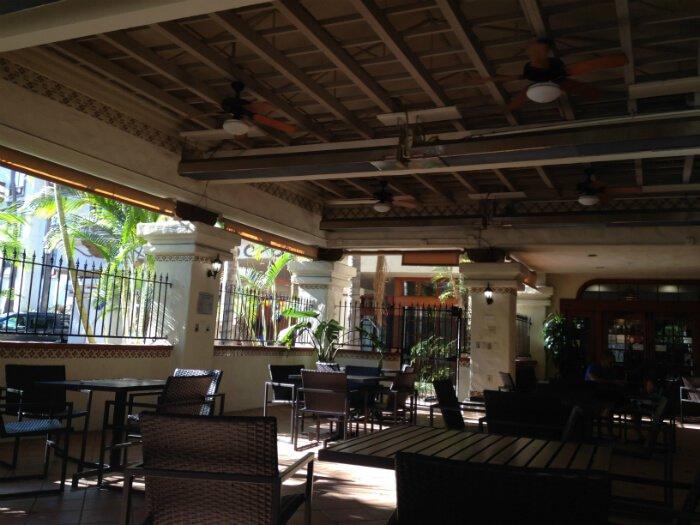San Diego Courtyard Marriott hotel breakfast dining