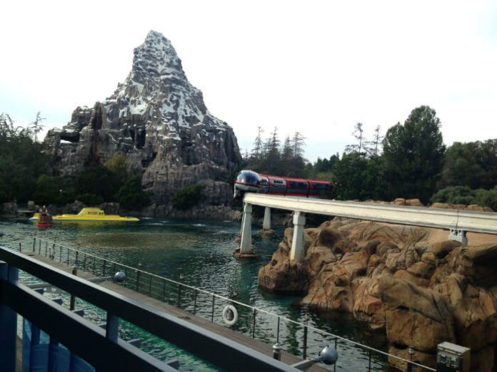 Save 31% on Disneyland SeaWorld California Adventure LEGOLAND San Diego Zoo Safari Park