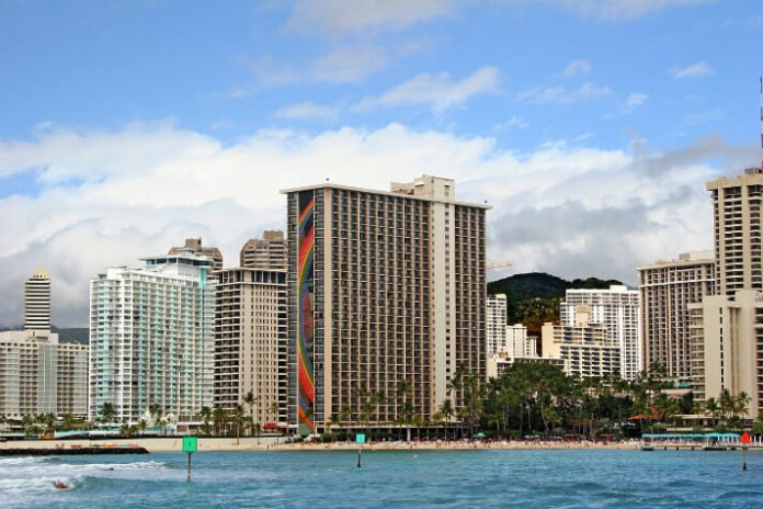 Hawaii hotel deal Waikiki Beach resorts. Hilton, DoubleTree, Embassy Suites