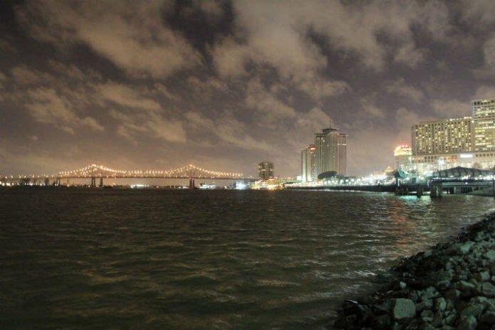 4 star New Orleans Louisiana hotel deals near French Quarter
