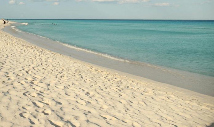Mexican Caribbean romantic vacation savings at AAA 4 diamond all suite beach resort in Playa Del Carmen