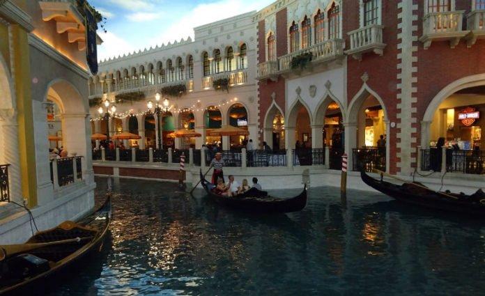 Win free rip to Las Vegas stay at Venetian Rascal Flatts concert airfare