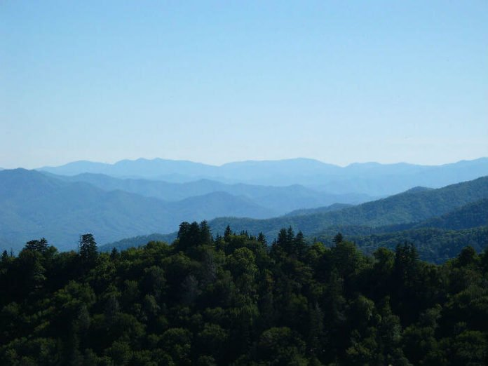 Save money on Sevierville Tennessee family vacation in the mountains.