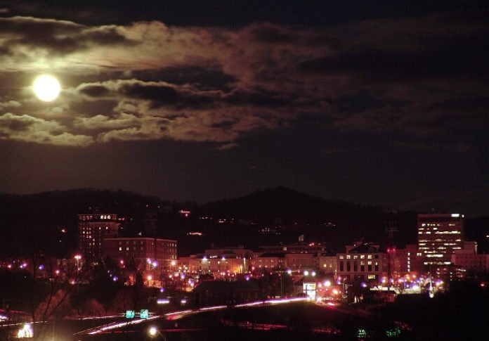 Save money on Asheville ghost walking tour & Mystery museum