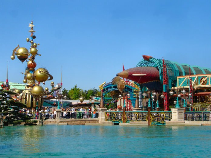 Disneyland Paris vacation package deal cheap flight hotel from US to Paris France