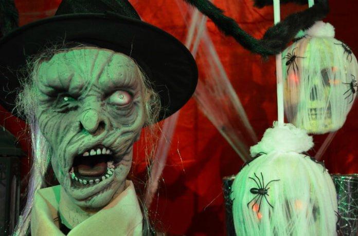 Win free trip to New York City airfare hotel & tickets to Heidi Klum's Halloween bash