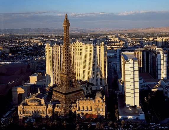 Hot air balloon ride over Las Vegas Strip & Red Rock discount