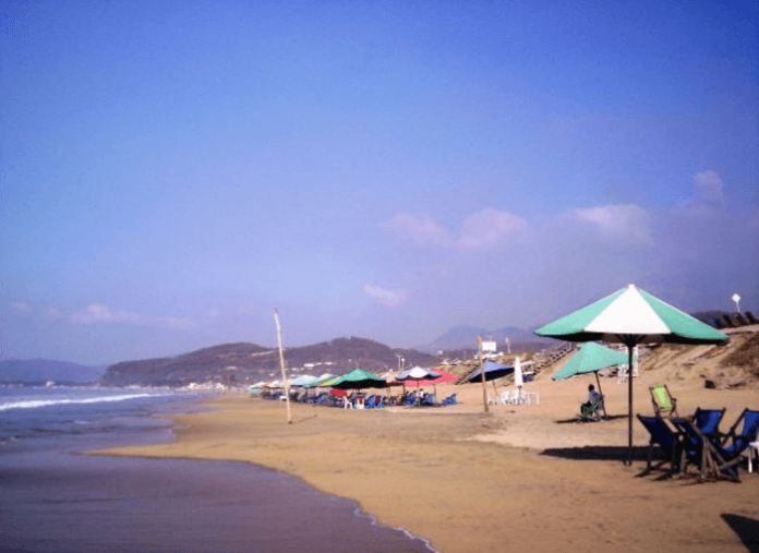 Manzanillo hotel deals Costa Brava, Real Posada, Fiesta Mexicana, Camino Real, Pez Vela