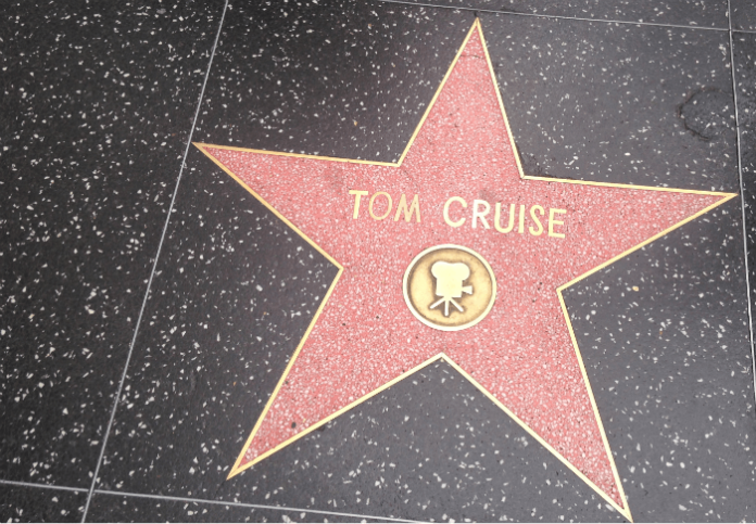 Hollywood-tour-movie-star-celebrities-mansions-Hollywood-sign-Chinese-theater-discount