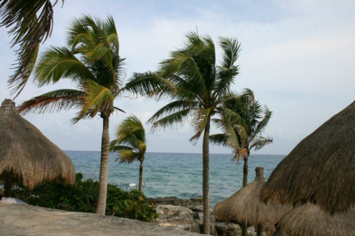 Save on Caribbean beach hotels in Riviera Maya Mexico