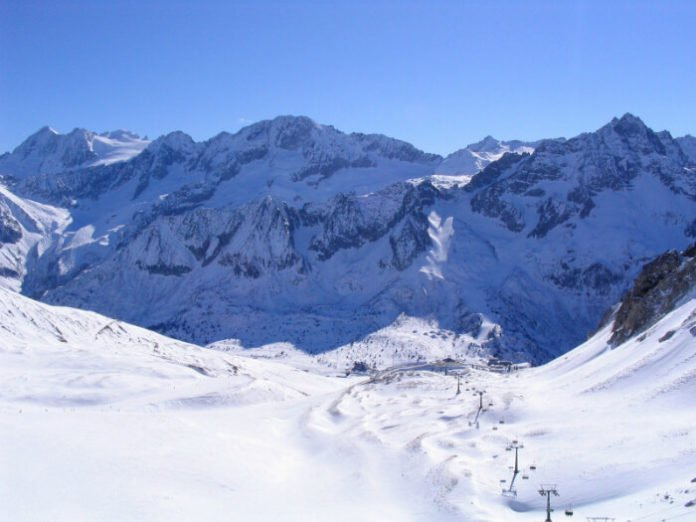 3 ways to save money at Passo Tonale ski vacation Italy
