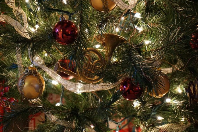 Save $100 per night on Biltmore Estate Inn Christmas Package