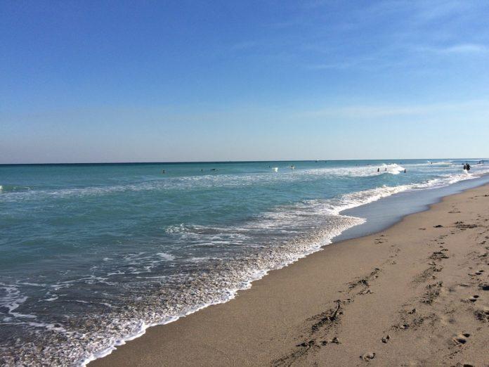 Boca Raton Florida hotel near beaches shopping golf has cruise package deals 25% off price