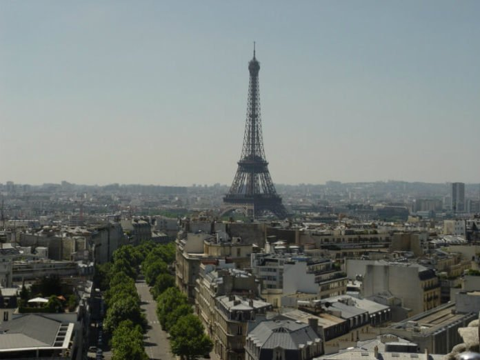 Cheap holiday roundtrip flights from Boston to Paris