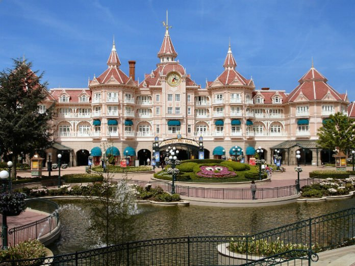 Promo code for $100 off Disneyland Hotel in Paris France