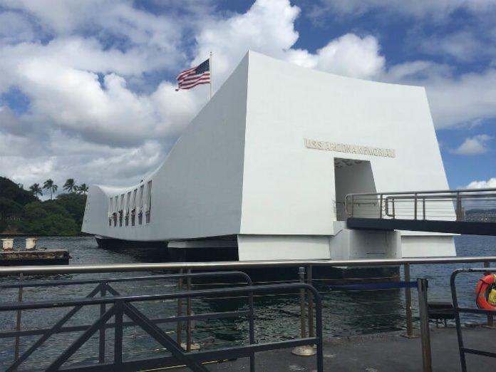 Save on Hawaii attractions Pearl Harbor, Sea Life Park, Waikiki Trolley, Koko Beach Rentals, E Noa & Kealoha Tours