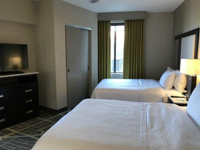 beds homewood suites savannah