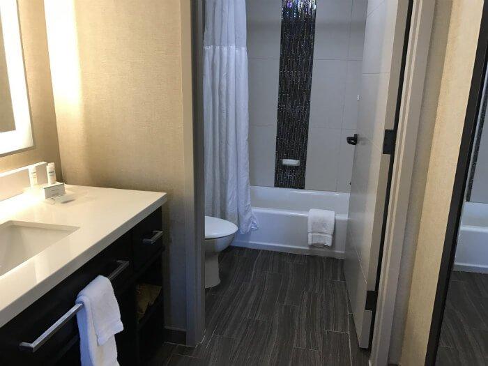 Homewood Suites Savannah hotel room bathroom