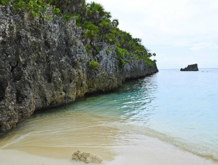 Save money on hotels in Honduras Caribbean Islas de Bahia
