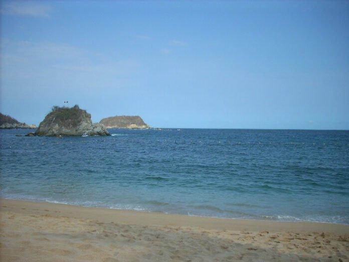 Mazatlan hotel deals save money on Mexican beach vacation