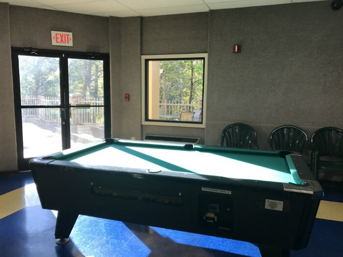 pool table pigeon forge hotel game room