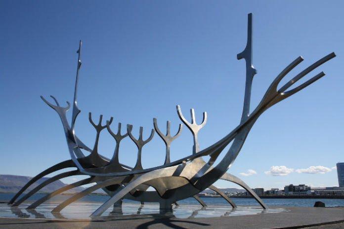 Cheap flight from Boston to Reykjavik under $270