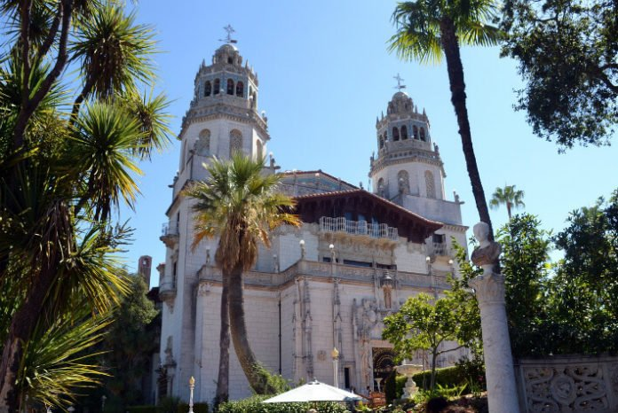 Save 10% off Yosemite National Park & Hearst Castle tour