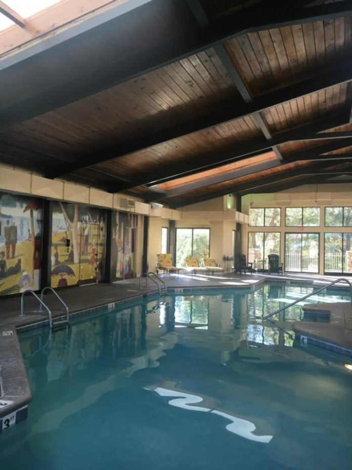 pigeon forge hotel indoor pool