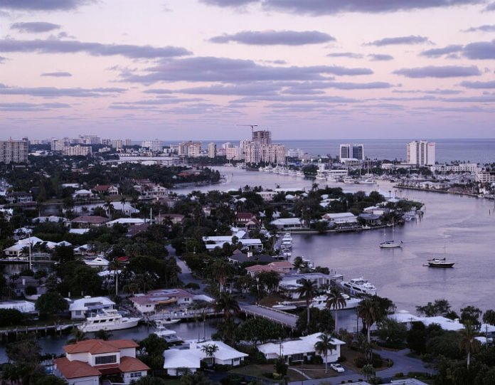 Cheap roundtrip direct flights from New York City area to Fort Lauderdale