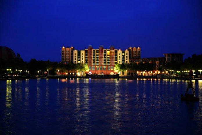 Save up to 68% on Disney's Davy Crockett Ranch; Hotel New York, Cheyenne, Santa Fe at Disneyland Paris