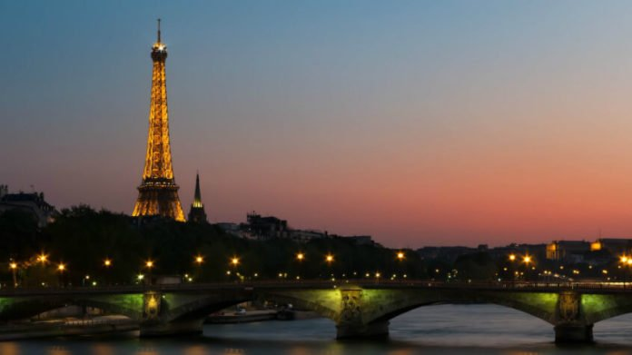 Save money on Paris trip with cheap roundtrip direct flight from NYC