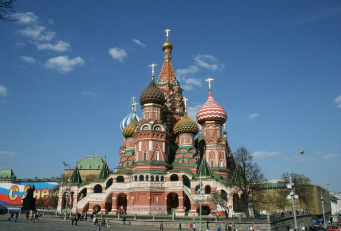 Save $120/person on Russia Highlights tour visit St. Petersburg Moscow Red Square Kremlin