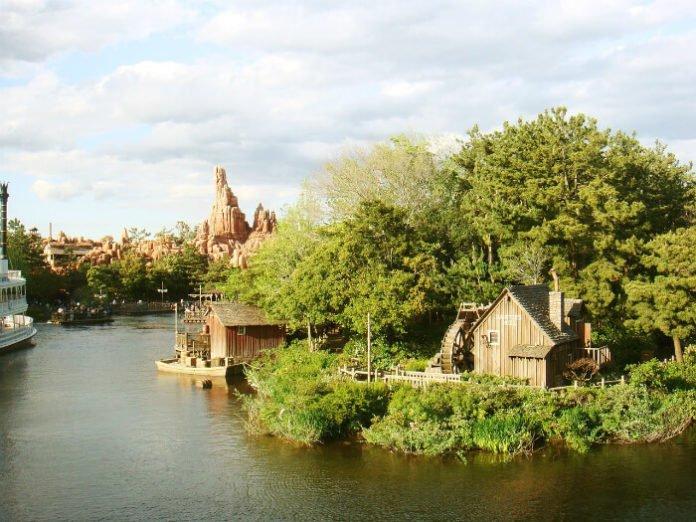 50% off hotel within walking distance of Tokyo Disneyland & Disneysea