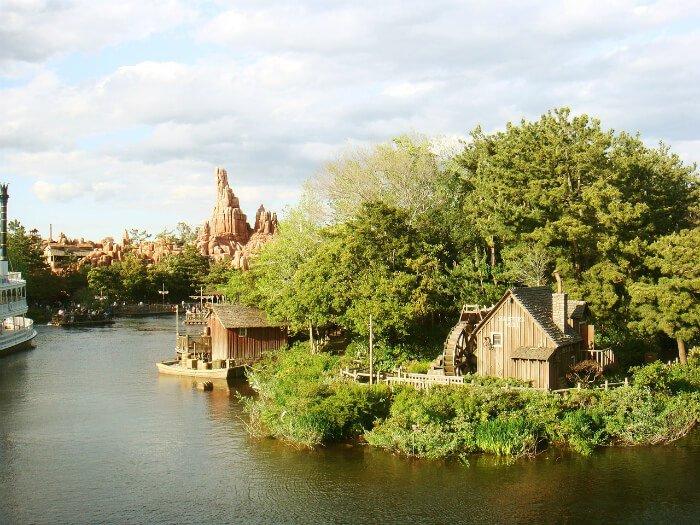 50% off Tokyo Disneyland Hotel | Green Vacation Deals