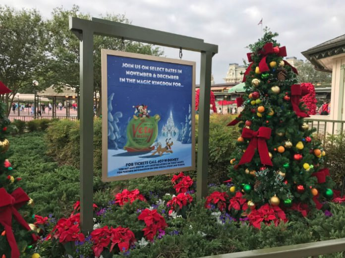 10 reasons to go to Mickey's Very Merry Christmas Party & discounted tickets