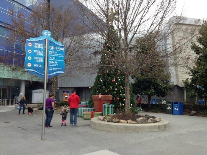 Top 3 holiday family activities in Atlanta: Frosty the musical, Georgia Aquarium, Stone Mountain Park Christmas