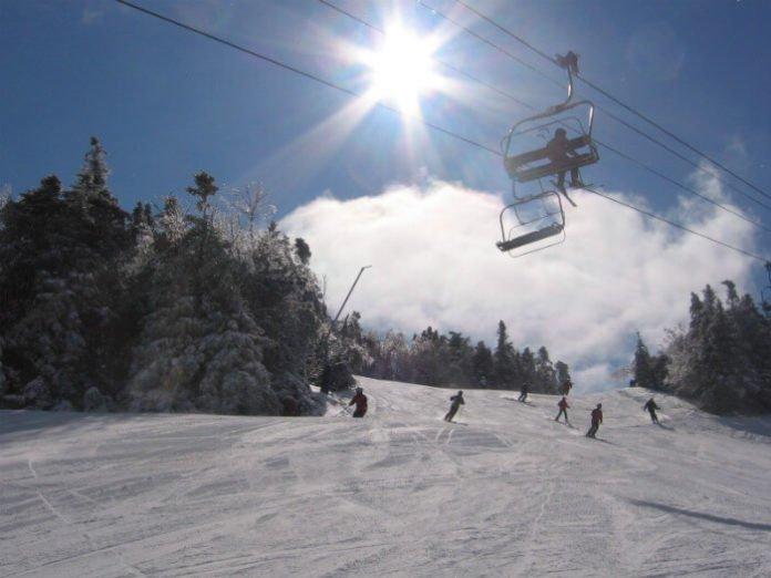 Hampton Inn Littleton New Hampshire hotel packages skiing zipline canopy tours Christmas tree farm wagon ride