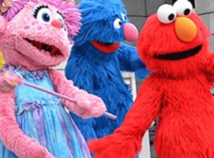 Sesame Place Philadelphia Pennsylvania kid's theme park discounted annual passes